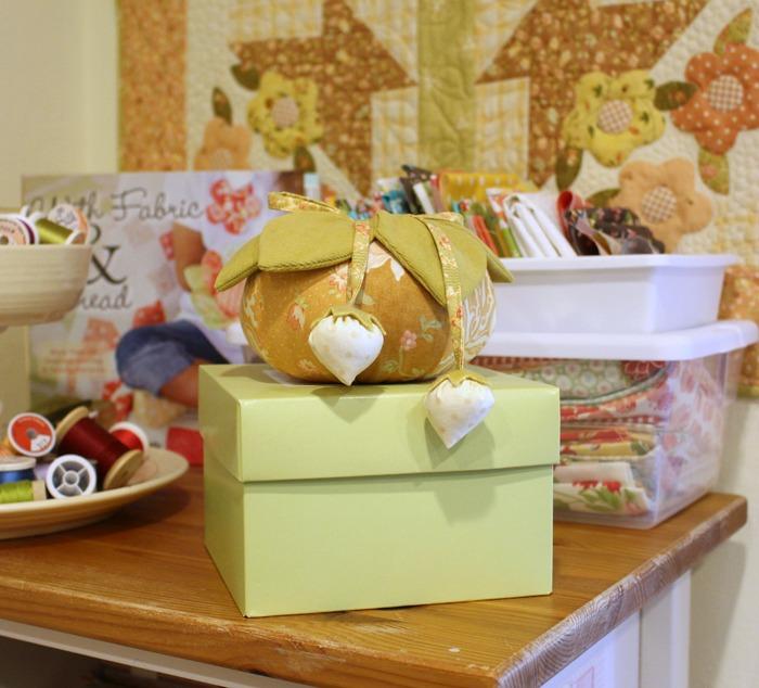 sewing-room-fig-tree-shelf