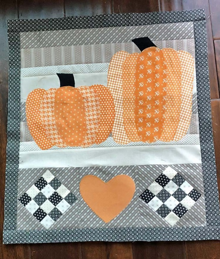 Patchwork Pumpkins wall hanging made by Annie Morgan