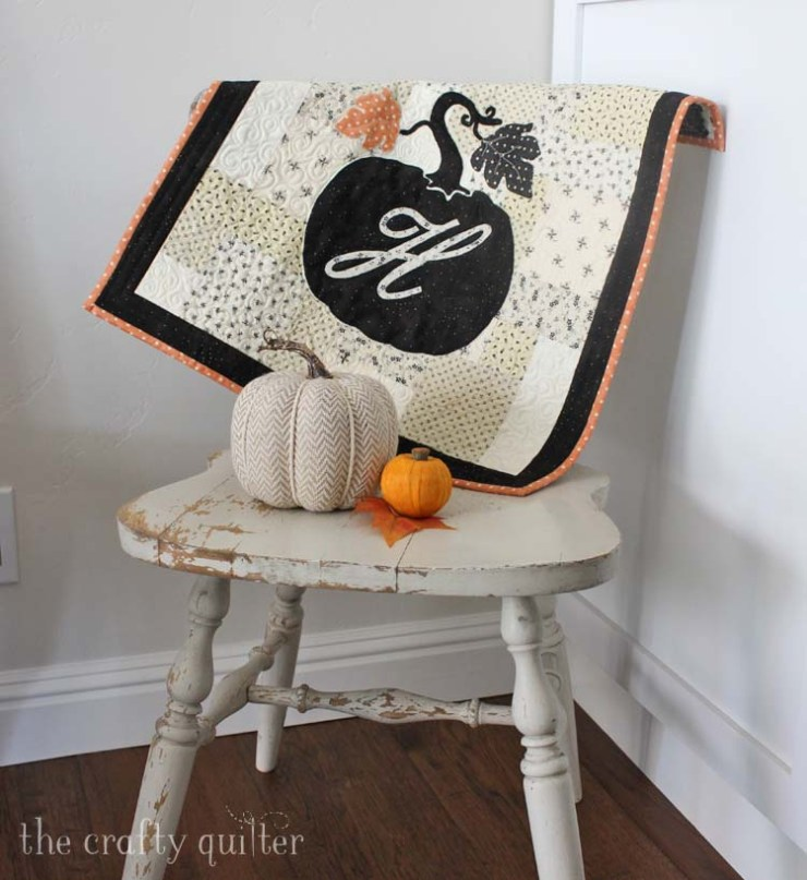 All Hallow's Eve Wall Hanging made by Julie Cefalu @ The Crafty Quilter. Pattern by Fig Tree Quilts