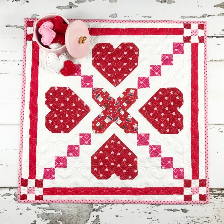 Heart Crossing, a free pattern from Primrose Cottage Quilts