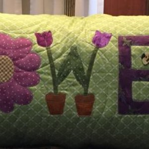 Flower Pillow, winner of the March UFO & WIP Challenge @ The Crafty Quilter