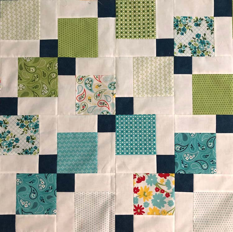 Disappearing 9-patch QAL, week 5 link up and giveaway @ The Crafty Quilter.