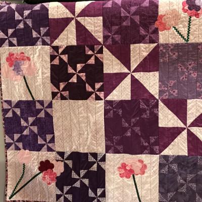 October UFO & WIP Challenge winner is this Purple Pinwheel Stashbee Project.