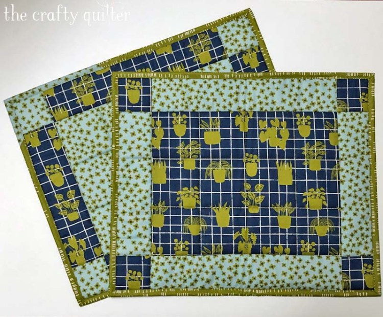 Placemats made using the easy placemat tutorial by The Crafty Quilter