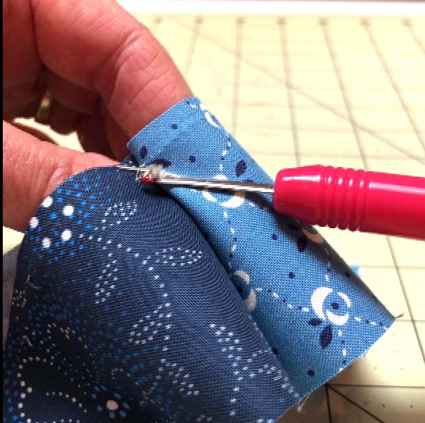 Clearing thread build up is necessary when using the quick seam ripper technique.