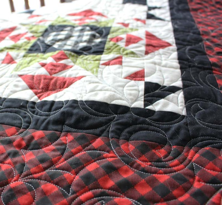 Quilting on my Lincoln Stars Quilt @ The Crafty Quilter