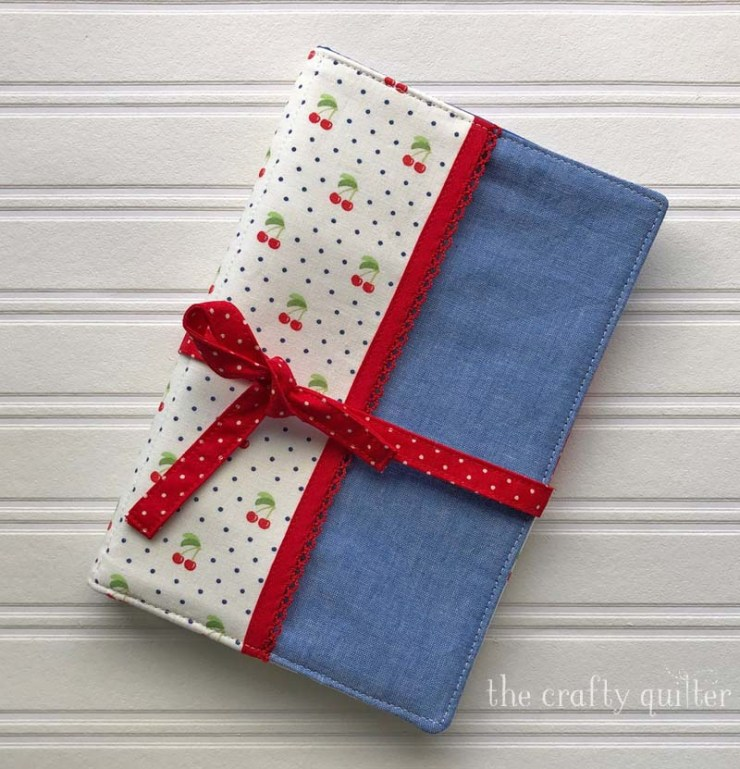 Handy Organizer Pouch made by Julie @ The Crafty Quilter.  Pattern from Sewing to Sell by Virginia Lindsay.
