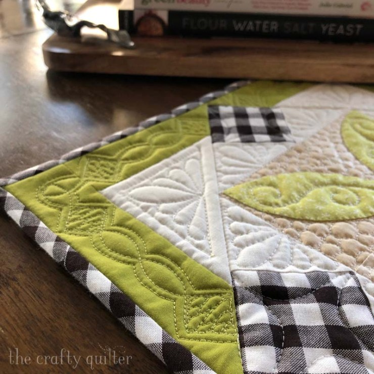 Quilting detail for Spring Bunny Table Runner Tutorial @ The Crafty Quilter.