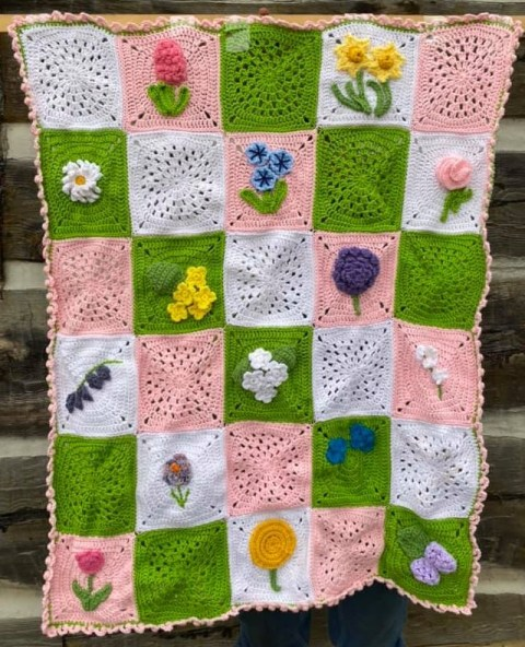 Spring Flowers Blanket by Edythblayn Floral crochet patterns round-up