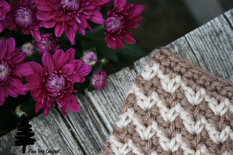 free crochet cowl pattern by Pine Tree Crochet