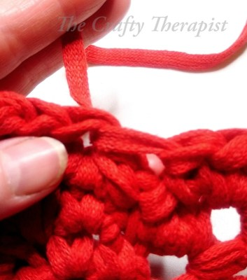 Crochet tutorial how to do an invisible finish in the round
