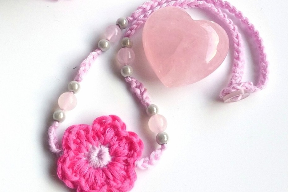 crochet necklace pattern pink flower