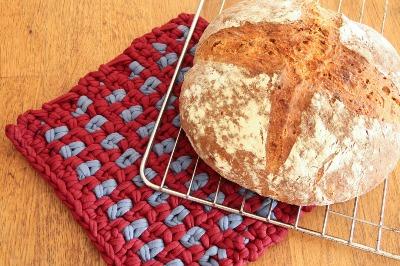 Red t-shirt yarn crochet potholder - eco crochet ideas