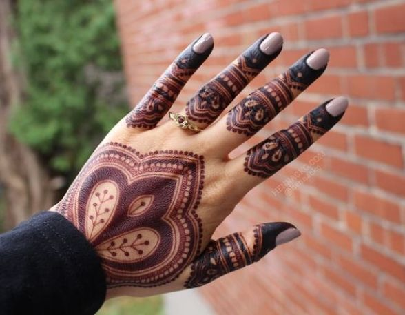 The Shaded Mehndi Motif For Wedding