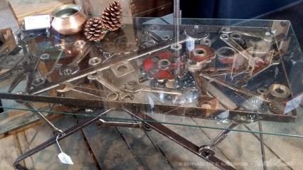 Artisan-metalglasstable