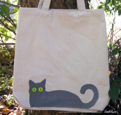 Bella! tote bag gray kitty design
