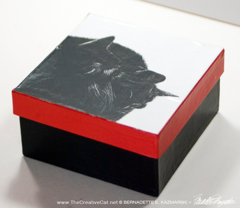 keepsake box with two cats