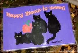 Celebrate Meow-lo-ween on your table!
