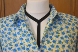 Turq flower collar