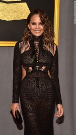 chrissy-teigen-grammy-awards-2017