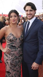 gina-rodriguez-and-joe-locicero-sag-awards-2017