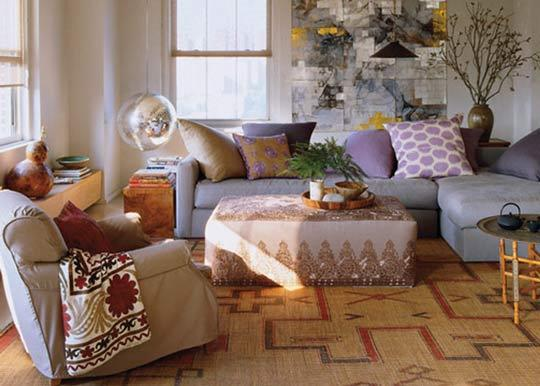 Disco-ball-light-small-living-room-decor-ideas