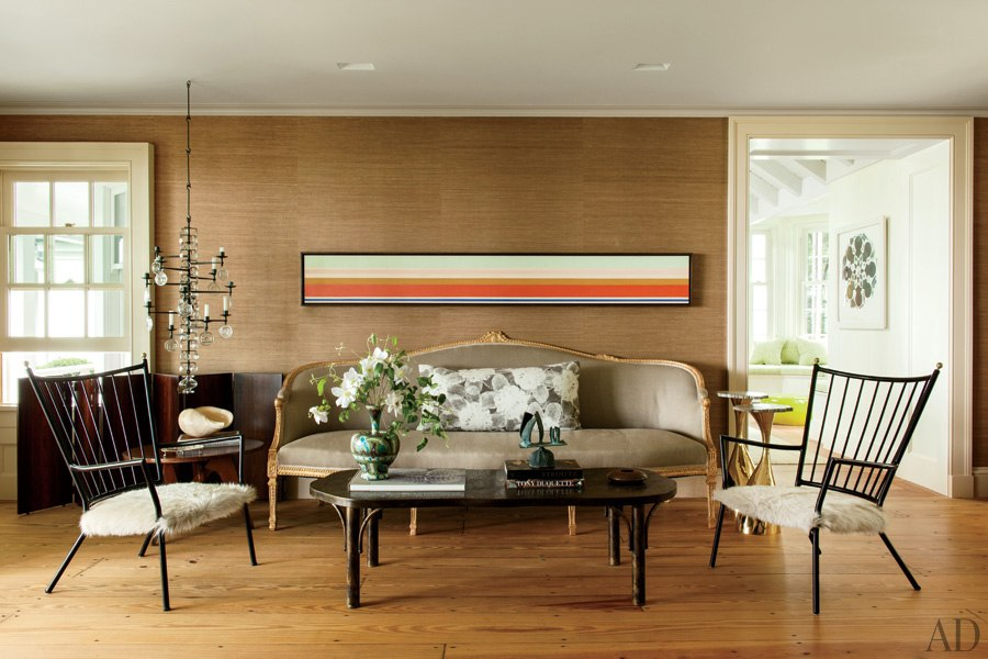 item1.rendition.slideshowWideHorizontal.russell-piccione-new-york-shelter-island-04-living-room-midcentury-furnishings-cristina-grajales-gallery