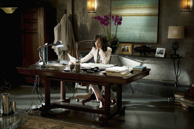 Olivia-Popes-office-on-Scandal-TV-show-4