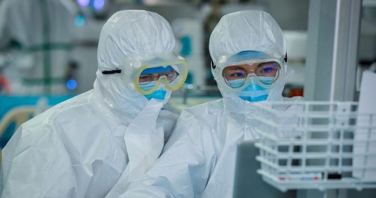 Doctors At Work (PhotoCredit- CNN)