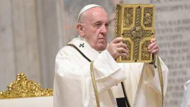 Pope Francis celebrates Easter Mass alone in Rome (Photo credit-Al Jazeera)