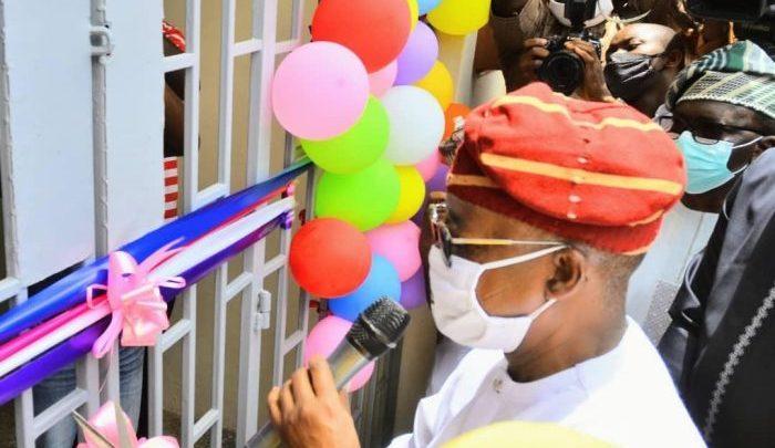 Governor Oyetola commissioning the facility