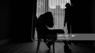 Silhouette of an abducted lady and her kidnapper (Getty Images)
