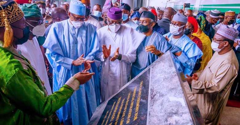 Buhari commissioning the Lagos-Ibadan rail project