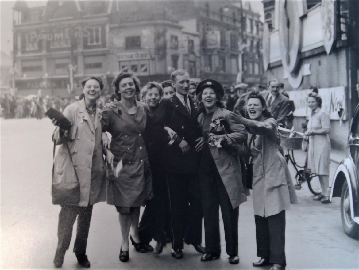 Joyful VE Day celebrations on Hammersmith Broadway in 1945 (Hammersmith and Fulham Council flickr)