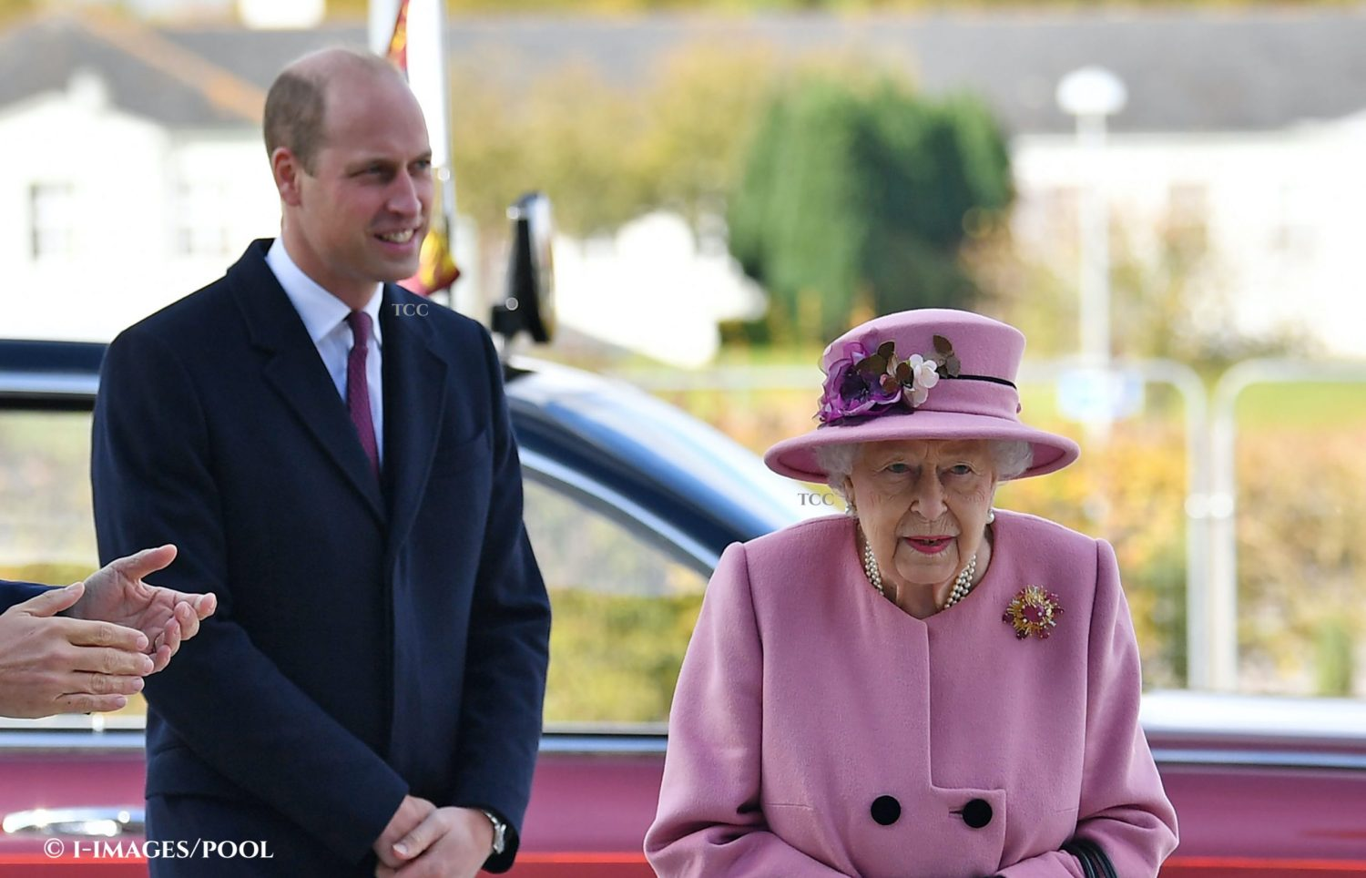 Image Licensed to i-Images Picture Agency. 15/10/2020. Salisbury, United Kingdom.  Queen Elizabeth II and Prince William, the Duke of Cambridge, during a visit to the  Defence Science and Technology Laboratory  in Porton Down, near Salisbury,United Kingdom. Picture by  i-Images / Pool