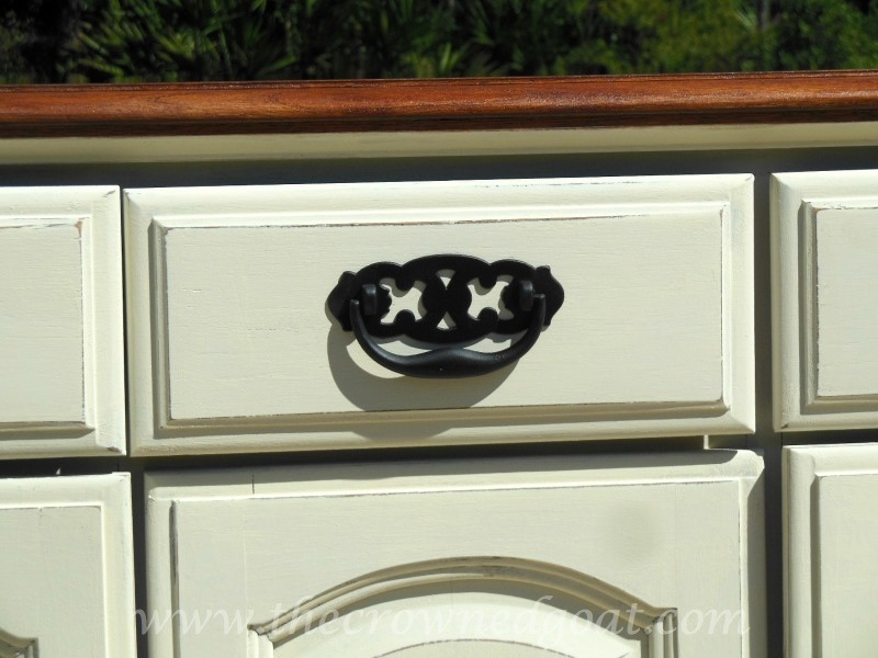 102014-8 Annie Sloan Chalk Paint Buffet Makeover Painted Furniture