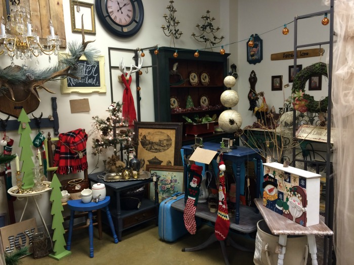 112614-12LittleHomeReloved Shop Small Saturday Vendor Spaces
