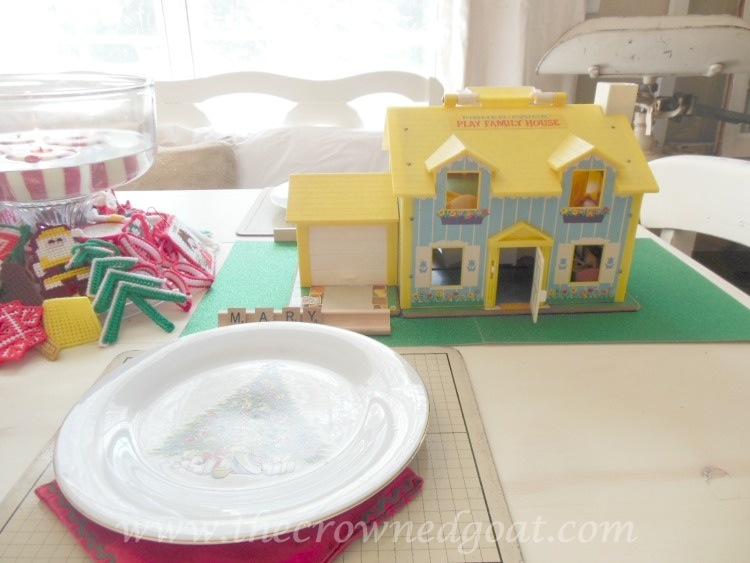 121714-4 Last Minute Holiday Kids Tablescape Decorating Holidays