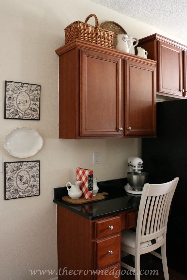 030515-11 Kitchen Reveal Decorating