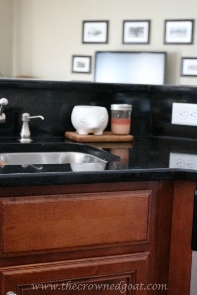 030515-15 Kitchen Reveal Decorating