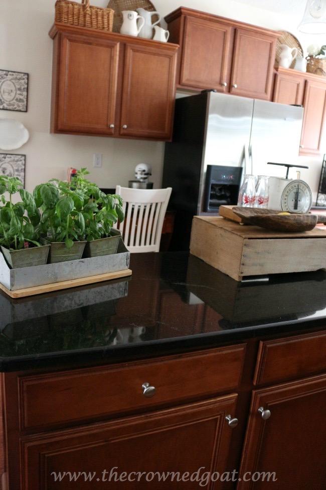 030515-7 Kitchen Reveal Decorating