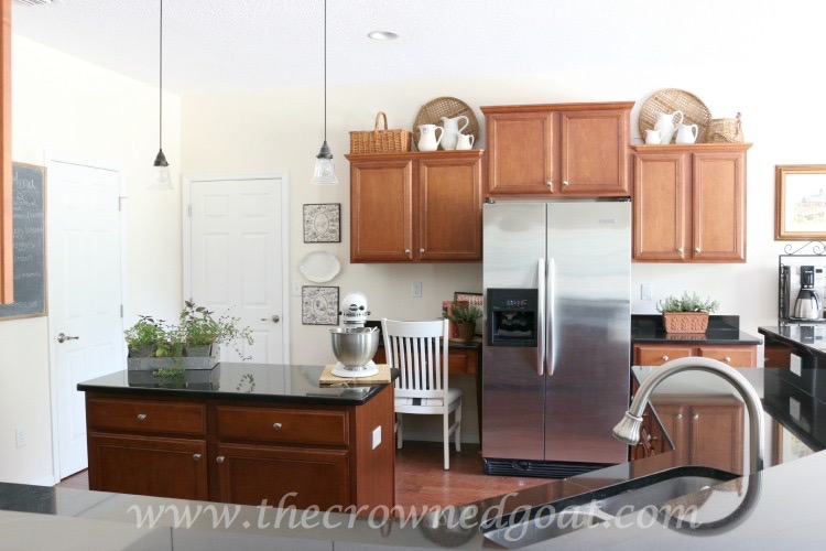 Simple-Kitchen-Decorating-The-Crowned-Goat-061615-10 Simple Kitchen Updates   Decorating