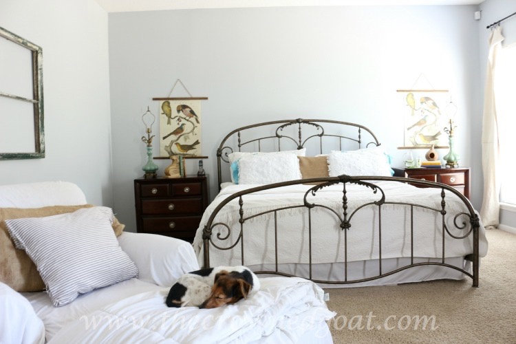 Using Thrifted Finds for Bedroom Makeover - The Crowned Goat - 061915-12