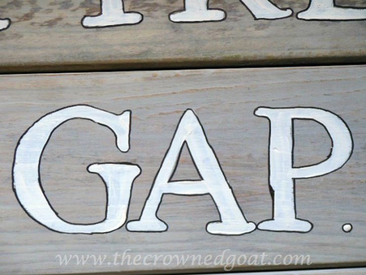 072915-10 Driftwood Inspired Trail Signs DIY Painted Furniture