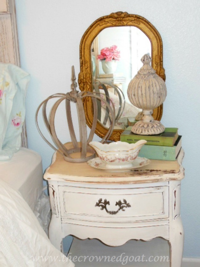 Using-Vintage-Mirrors-on-a-Bedroom-Nightstand-The-Crowned-Goat-071515-5 Shabby Chic Inspired Bedroom Decorating
