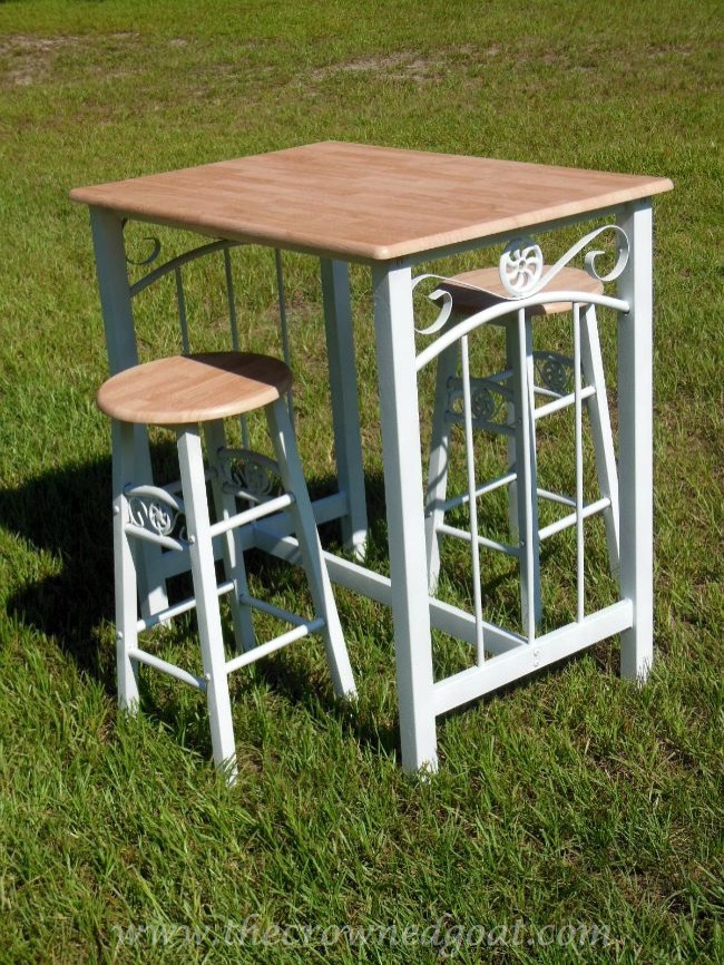 Rust-oleum-Painted-Bar-Stools-and-Table-082714-5 Rust-oleum Painted Table and Bar Stools Painted Furniture