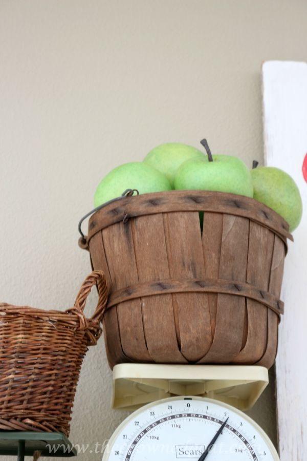 091615-3 Fall Inspired Mantel Decorating Fall Holidays