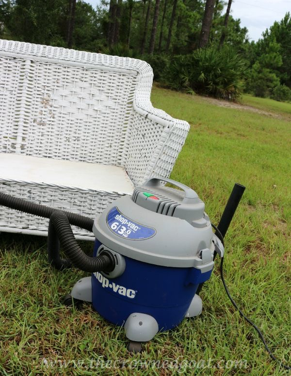 092215-5 How to Clean Outdoor Wicker Furniture Uncategorized