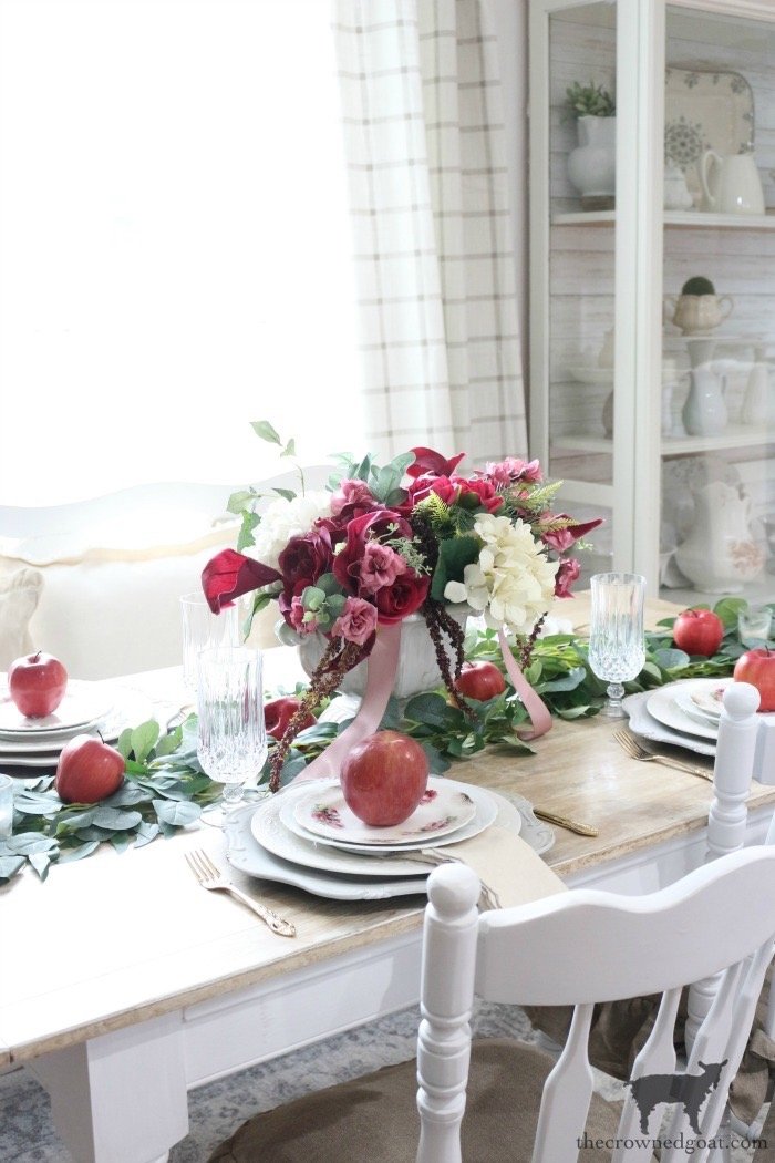 Elegant-Autumn-Apples-Inspired-Tablescape-The-Crowned-Goat-11 Elegant Autumn Apples Inspired Tablescape Fall Holidays