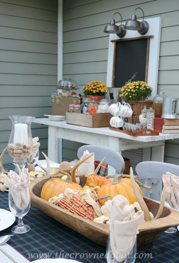 102215-12 Outdoor Entertaining: Fall Inspired Back Patio Decorating Fall Holidays